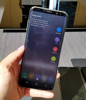 Samsung-Galaxy-S8-and-Galaxy-S8-Launch-Edge-Menu-Analie-Cruz-e1513886976715